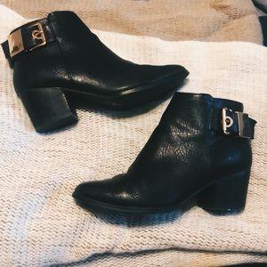 Aldo leather heeled boots